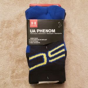 NWT UA Phenom Youth Large Socks